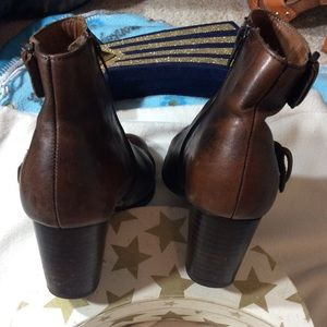 Born Shoes - Born Brown Leather Ankle Boots!